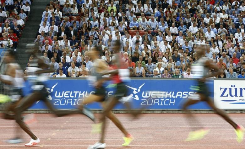 Athletics - IAAF Athletics Diamond League meeting Zurich -  Letzigrund stadium, Zurich, Switzerland - 1/9/2016 - Athletes compete in the 5000m men race.          REUTERS/Arnd Wiegmann