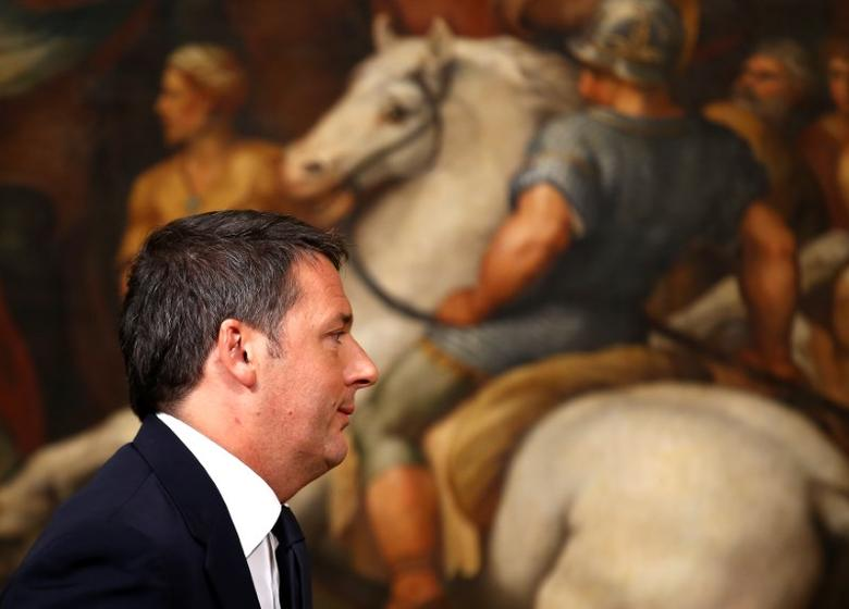 Italian Prime Minister Matteo Renzi leaves at the end of media conference after a referendum on constitutional reform at Chigi palace in Rome, Italy, December 5, 2016.  REUTERS/Alessandro Bianchi