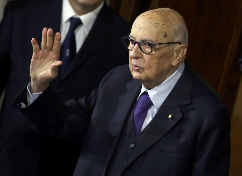 Italian former President and senator Giorgio Napolitano waves as he leaves at the end of the first day of consultations with Italian President Sergio Mattarella at the Quirinale Palace in Rome, Italy, December 8, 2016.   REUTERS/Alessandro Bianchi