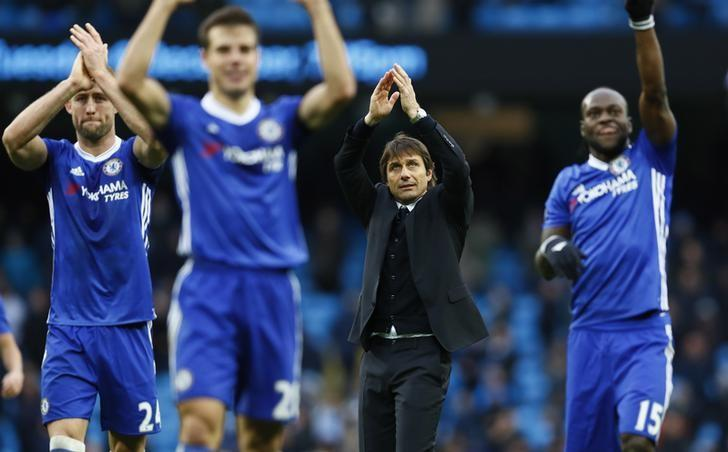 Chelsea manager Antonio Conte and players applaud fans after the game. Manchester City v Chelsea - Premier League - Etihad Stadium - 3/12/16. Action Images via Reuters / Jason Cairnduff Livepic