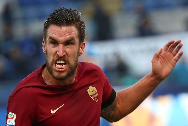 AS Roma's Kevin Strootman celebrates after scoring. Lazio v AS Roma - Italian Serie A - Olympic Stadium, Rome, Italy - 4/12/2016. REUTERS/Alessandro Bianchi