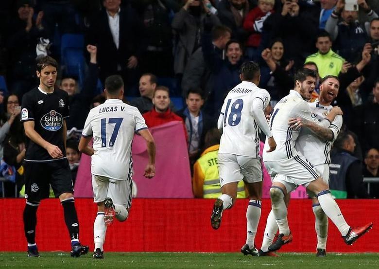 Football Soccer - Real Madrid v Deportivo Coruna - Spanish La Liga Santander  -Santiago Bernabeu stadium, Madrid, Spain - 10/12/16 Real Madrid's Sergio Ramos celebrates his a goal .REUTERS/Javier Barbancho