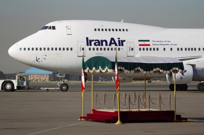 FILE PHOTO: A IranAir aircraft is pictured before leaving Tehran's Mehrabad airport September 19, 2011. REUTERS/Morteza Nikoubazl/File photo