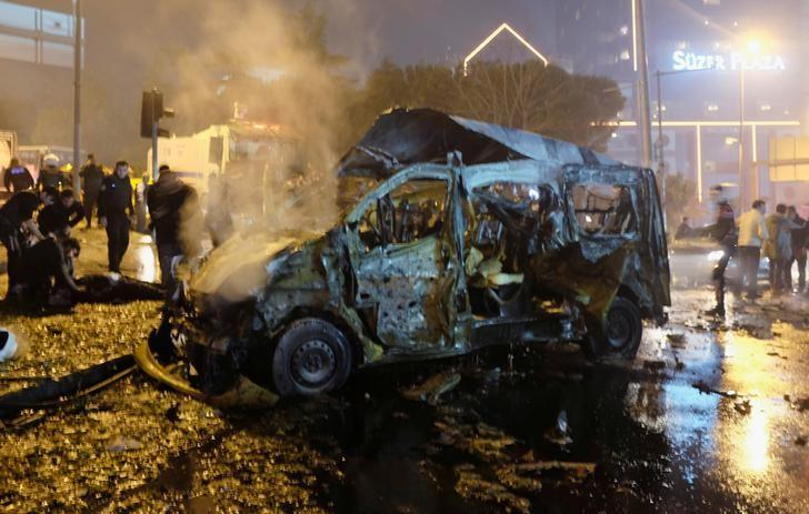 A damaged vehicle is seen after a blast in Istanbul, Turkey, December 10, 2016. REUTERS/Murad Sezer