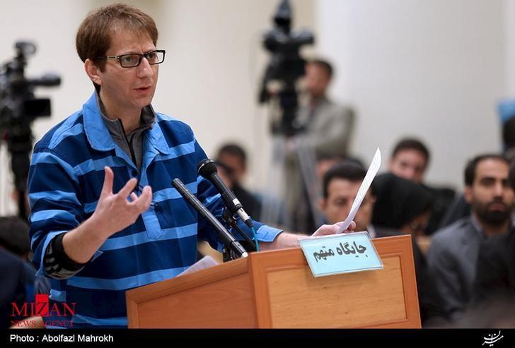 Iranian businessman Babak Zanjani appears during a court session in Tehran in this November 17, 2015 handout photo courtesy of Mizan Online News Agency. REUTERS/www.mizanonline.ir/Handout/Files