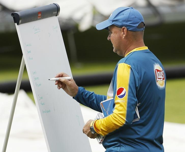 Britain Cricket - Pakistan Nets - Emirates Old Trafford - 6/9/16Pakistan head coach Mickey Arthur during netsAction Images via Reuters / Lee SmithLivepic