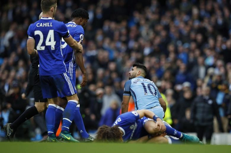Britain Football Soccer - Manchester City v Chelsea - Premier League - Etihad Stadium - 3/12/16 Manchester City's Sergio Aguero is sent off for this challenge on Chelsea's David Luiz  Reuters / Phil Noble Livepic