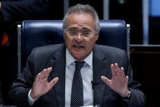 Presidente do Senado, Renan Calheiros, gesticula durante sessão de votação sobre a PEC 55, que limita os gastos públicos, em Brasília, Brasil 13/12/2016 REUTERS/Adriano Machado