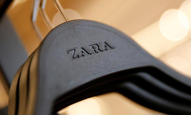 Zara's logo is seen on a clothes hanger in a Zara store, an Inditex brand, in central Barcelona, Spain, December 13, 2016. REUTERS/Albert Gea