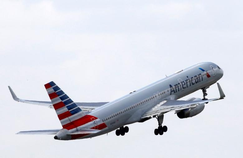 An American Airlines Boeing 757 aircraft takes off at the Charles de Gaulle airport in Roissy, France, August 9, 2016. REUTERS/Jacky Naegelen