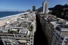 Prédios residenciais vistos na zona sul do Rio de Janeiro.    13/06/2016         REUTERS/Ricardo Moraes