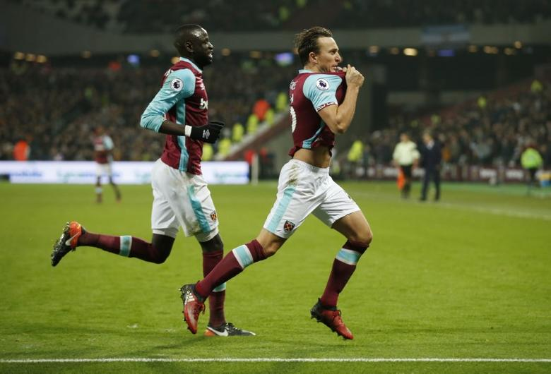 Britain Football Soccer - West Ham United v Hull City - Premier League - London Stadium - 17/12/16 West Ham United's Mark Noble celebrates scoring their first goal  Action Images via Reuters / Matthew Childs Livepic