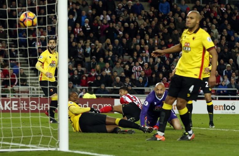 Britain Football Soccer - Sunderland v Watford - Premier League - Stadium of Light - 17/12/16 Sunderland's Patrick van Aanholt scores their first goal Reuters / Andrew Yates Livepic
