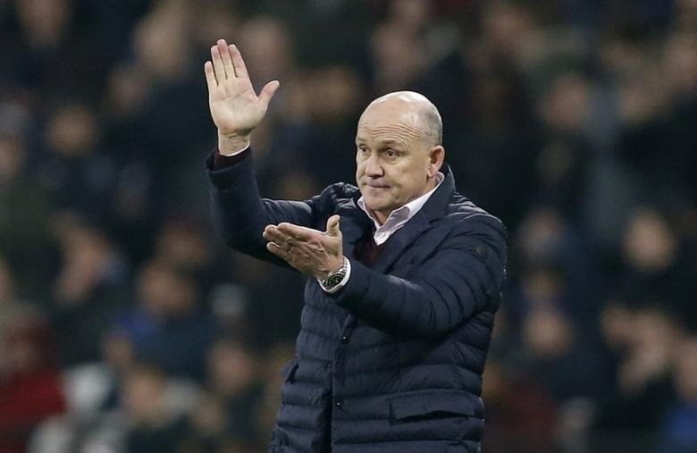Britain Football Soccer - West Ham United v Hull City - Premier League - London Stadium - 17/12/16 Hull City manager Mike Phelan  Action Images via Reuters / Matthew Childs Livepic