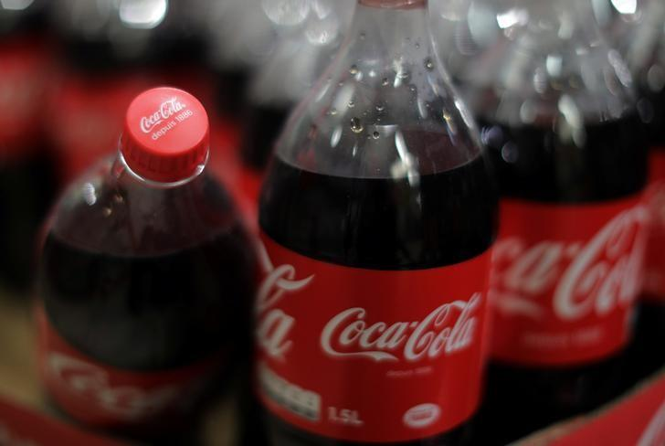 Bottles of Coca-Cola are seen in a Casino supermarket in Mouans Sartoux, France, October 27, 2016.    REUTERS/Eric Gaillard