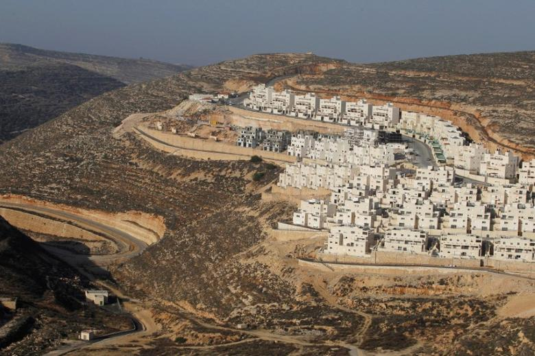 A view shows a construction site in the West Bank Jewish settlement of Givat Zeev, near Jerusalem, December 19, 2011. REUTERS/Baz Ratner/File Photo