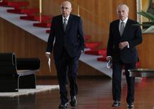 Meirelles e Temer no Palácio da Alvorada.  22/12/2016. REUTERS/Adriano Machado