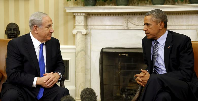 FILE PHOTO: U.S. President Barack Obama meets with Israeli Prime Minister Benjamin Netanyahu in the Oval office of the White House in Washington November 9, 2015.  REUTERS/Kevin Lamarque/File Photo