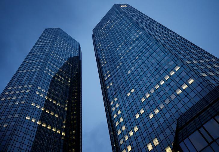 Deutsche Bank headquarters are pictured in Frankfurt, Germany, January 28, 2016.   REUTERS/Kai Pfaffenbach/File Photo