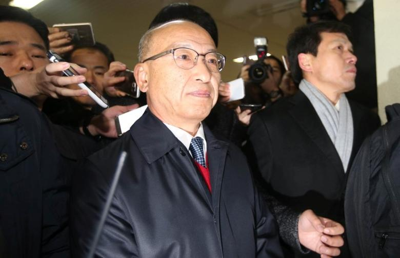 The National Pension Service (NPS) Chairman Moon Hyung-pyo is summoned to the Independent Counsel Team in Seoul, South Korea, December 27, 2016. Picture taken December 27, 2016. News1 via REUTERS