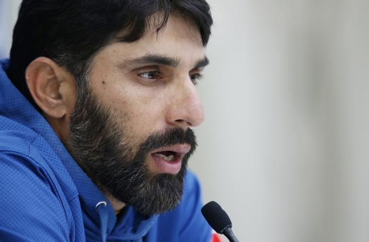 Britain Cricket - Pakistan Press Conference - Kia Oval - 10/8/16 Pakistan's Misbah-ul-Haq talks to the media during the press conference Action Images via Reuters / Paul Childs Livepic
