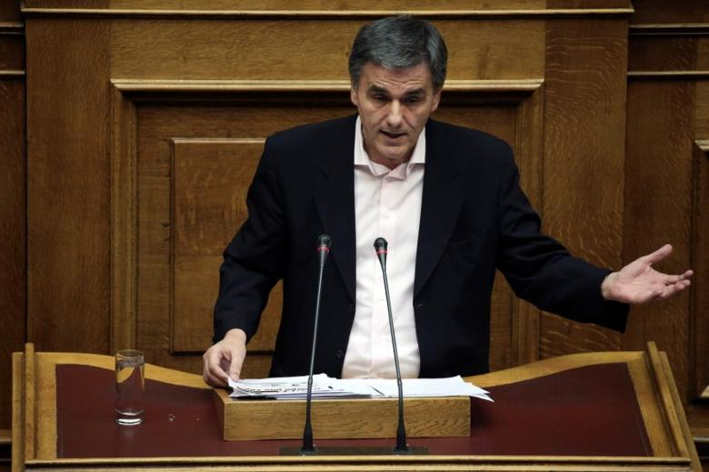 Greek Finance Minister Euclid Tsakalotos delivers a speech during a parliamentary session before a budget vote in Athens, Greece, December 10, 2016. Picture taken December 10, 2016. REUTERS/Alkis Konstantinidis - RTX2UMK3