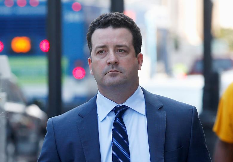 FILE PHOTO - Jesse Litvak, a former managing director at Jefferies Group Inc., walks to U.S. District Court in for his hearing New Haven, Connecticut, U.S., July 23, 2014.   REUTERS/Mike Segar
