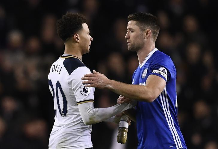 Britain Football Soccer - Tottenham Hotspur v Chelsea - Premier League - White Hart Lane - 4/1/17 Tottenham's Dele Alli and Chelsea's Gary Cahill at the end of the match  Reuters / Dylan Martinez Livepic