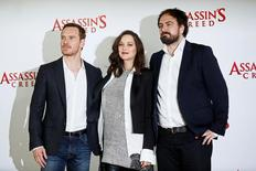 "Atores Michael Fassbender, Marion Cotillard e diretor Justin Kurzel durante evento do filme ""Assassin's Creed"" em Londres.    08/12/2016          REUTERS/Stefan Wermuth"