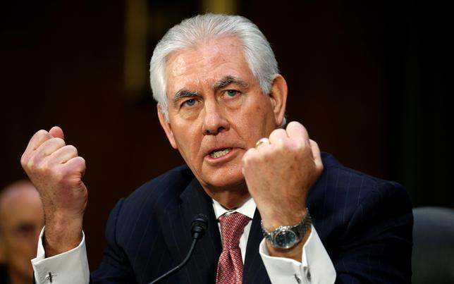 1月11日、次期米国務長官候補に指名されたティラーソン氏は現行の対ロシア制裁を当面、維持することが望ましいとの考えを示した(2017年 ロイター/Kevin Lamarque)