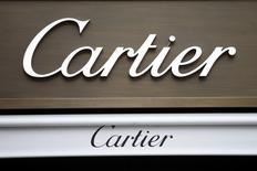 Le groupe de luxe suisse Richemont, propriétaire entre autres du joaillier Cartier et des horlogers Vacheron-Constantin et IWC, a fait état jeudi d'un chiffre d'affaires dans ses boutiques en propre en hausse de 5% hors effets de change au 3e trimestre de son exercice. /Photo d'archives/REUTERS/Charles Platiau