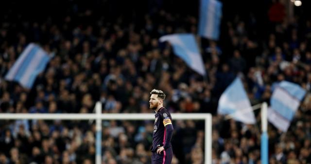 Britain Football Soccer - Manchester City v FC Barcelona - UEFA Champions League Group Stage - Group C - Etihad Stadium, Manchester, England - 1/11/16Barcelona's Lionel Messi looks dejected after Manchester City's Ilkay Gundogan (not pictured) scores their third goal Reuters / Darren Staples