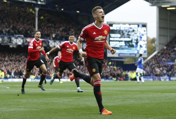 Football - Everton v Manchester United - Barclays Premier League - Goodison Park - 17/10/15. Manchester United's Morgan Schneiderlin celebrates scoring their first goal. Action Images via Reuters / Carl Recine