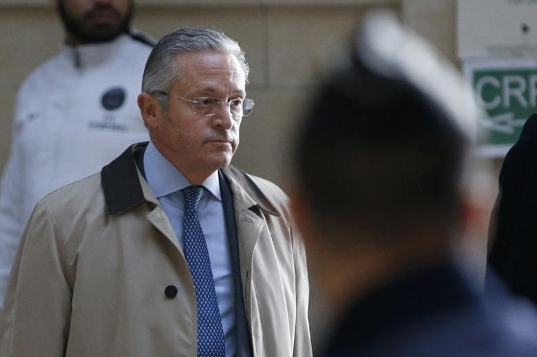 FILE PHOTO  International art dealer Guy Wildenstein arrives for his trial at Paris court, France, January 4, 2016. French art dealer Guy Wildenstein and seven others were acquitted of tax fraud charges January 12, 2017 thanks to a legal loophole the Paris court acknowledged might not be understood by the general public.   REUTERS/Charles Platiau/File Photo