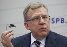(L-R) Russian former Finance Minister Alexei Kudrin attends a session of the St. Petersburg International Economic Forum 2016 (SPIEF 2016) in St. Petersburg, Russia, June 16, 2016. REUTERS/Sergei Karpukhin