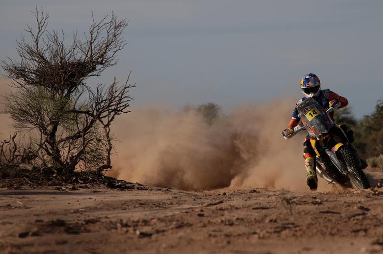 Dakar Rally - 2017 Paraguay-Bolivia-Argentina Dakar rally - 39th Dakar Edition - Eleventh stage from San Juan to Rio Cuarto, Argentina 13/01/17. Sam Sunderland of Britain rides his KTM. REUTERS/Ricardo Moraes