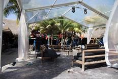 La imagen muestra el interior de la discoteca Blue Parrot después del ataque en Playa del Carmen, México. 16/01/2017.Al menos cinco personas murieron y 15 resultaron heridas en un tiroteo en las primeras horas del lunes en un popular club nocturno del centro turístico de Playa del Carmen, en el Caribe mexicano, donde se realizaba un festival de música electrónica. REUTERS/Victor Ruiz Garcia