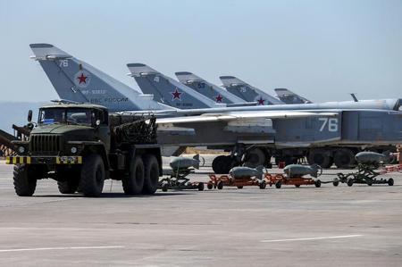 طائرات روسية تشارك طائرات تركية للمرة الأولى في قصف أهداف في سوريا