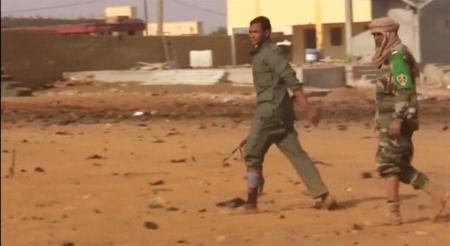 جماعة إسلامية مرتبطة بالقاعدة تعلن مسؤوليتها عن تفجير انتحاري بمالي