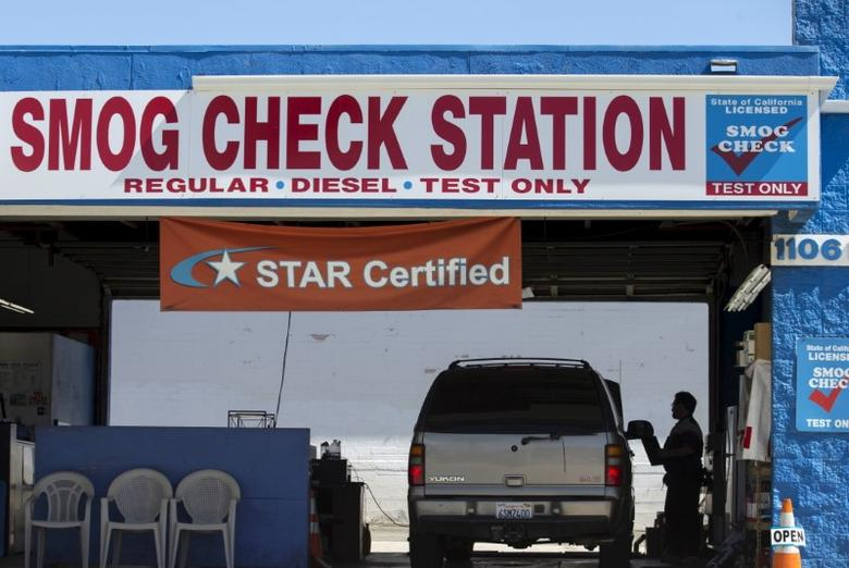 A vehicle has its emissions tested at a smog testing facility in Oceanside, California September 29, 2015. REUTERS/Mike Blake