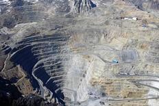 Imagen de archivo de la mina Andina de Codelco cerca de Santiago, Chile, nov 17, 2014. La estatal chilena Codelco, mayor productora mundial de cobre, dijo el jueves que suspendió las faenas de su mina Andina luego de un accidente en el que falleció un trabajador.  REUTERS/Ivan Alvarado