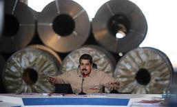 El presidente de Venezuela, Nicolás Maduro, habla durante una reunión con trabajadores de la siderúrgica Sidor en Puerto Ordaz. 29 de enero  de 2017. Palacio de Miraflores/vía ATENCIÓN EDITORES - SOLO PARA USO EDITORIAL.  NO ESTÁ A LA VENTA Y NO SE PUEDE USAR EN CAMPAÑAS PUBLICITARIAS. ESTA IMAGEN HA SIDO ENTREGADA POR UN TERCERO Y SE DISTRIBUYE EXÁCTAMENTE COMO LA RECIBIÓ REUTERS COMO UN SERVICIO A SUS CLIENTES.