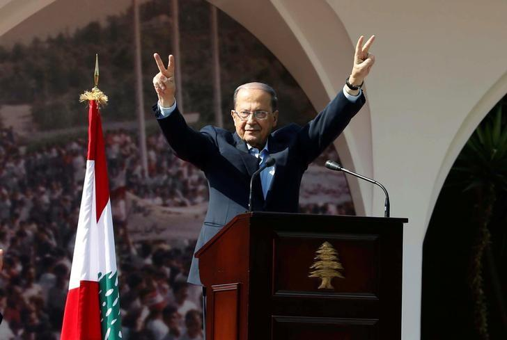 Lebanese President Michel Aoun gestures to his supporters during an event celebrating his presidency, at the presidential palace in Baabda, near Beirut, Lebanon November 6, 2016. REUTERS/Mohamed Azakir/Files