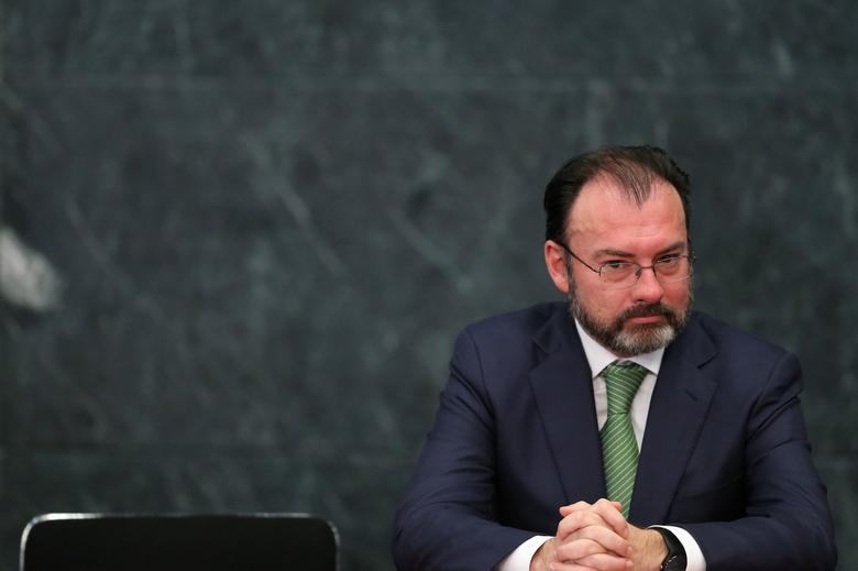 Mexico's Foreign Minister Luis Videgaray takes part during the delivery of a message about foreign affairs by Mexico's President Enrique Pena Nieto at Los Pinos presidential residence in Mexico City, Mexico, January 23, 2017. REUTERS/Edgard Garrido
