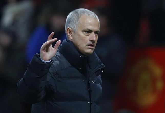 2月3日、サッカーのイングランド・プレミアリーグ、マンUのジョゼ・モウリーニョ監督(写真)は、4位以内への浮上を目指すためにFWズラタン・イブラヒモビッチの負担を軽減できるようもっと他の選手たちにも得点してほしいと述べた。英マンチェスターで1月撮影(2017年 ロイター)