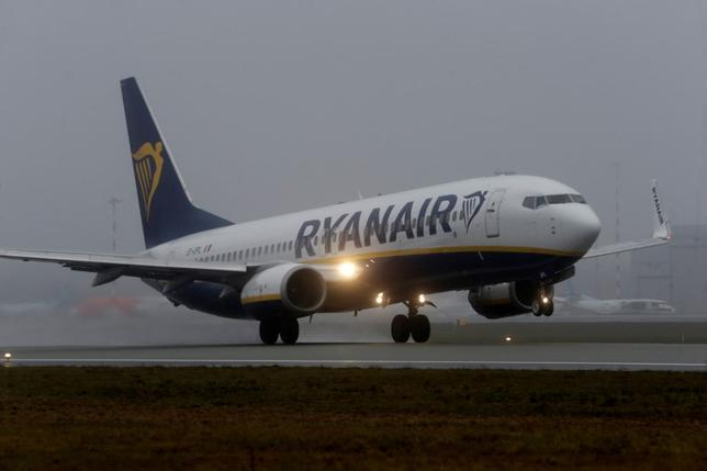 FILE PHOTO - A Ryanair aircraft takes off during a foggy day on Riga International Airport in Riga, Latvia December 21, 2016. REUTERS/Ints Kalnins/File photo