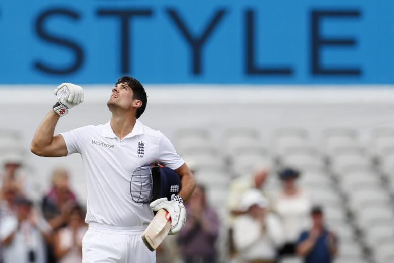Britain Cricket - England v Pakistan - Second Test - Emirates Old Trafford - 22/7/16 England's Alastair Cook celebrates his century Action Images via Reuters / Jason Cairnduff Livepic