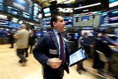 La Bourse de New York a terminé lundi en légère baisse. L'indice Dow Jones a perdu 0,09%. Le Standard & Poor's-500 a abandonné 0,21% et le Nasdaq Composite a clôturé sur un recul de 0,06%. /Photo prise le 24 janvier 2017/REUTERS/Brendan McDermid