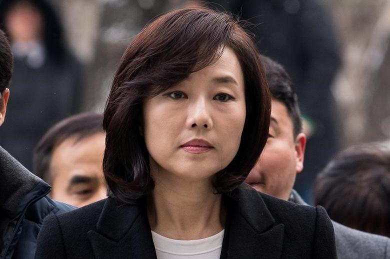 Culture Minister Cho Yoon-sun arrives at the Seoul Central District court in Seoul, South Korea, January 20, 2017.  Yoo Seung-kwan/News1 via REUTERS