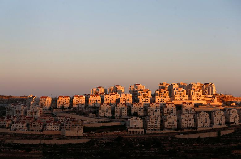 General view of houses of the Israeli settlement of Efrat, in the occupied West Bank. REUTERS/Ammar Awad